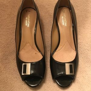 Naturalizer black heels 7 1/2